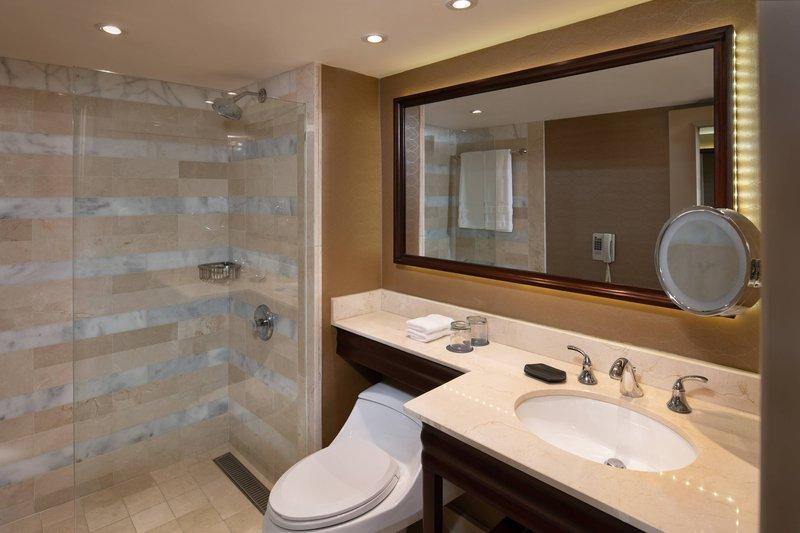 Sheraton Santo Domingo-Suite Bathroom<br/>Image from Leonardo