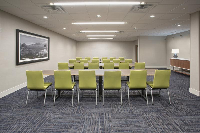 Holiday Inn Express Kingston West-Meeting Room<br/>Image from Leonardo