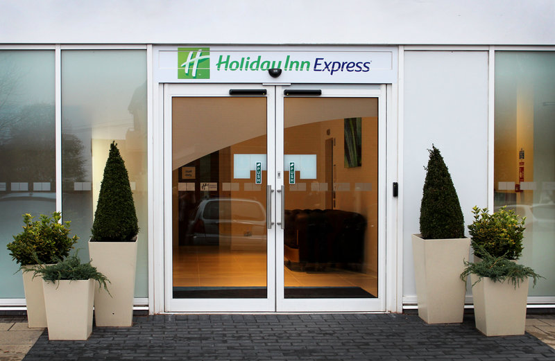 Holiday Inn Express Wakefield-Bright and welcoming entrance<br/>Image from Leonardo