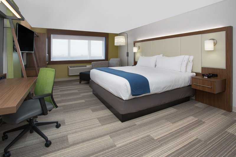Holiday Inn Express And Suites Tulsa Northeast Owasso-Guest Room<br/>Image from Leonardo