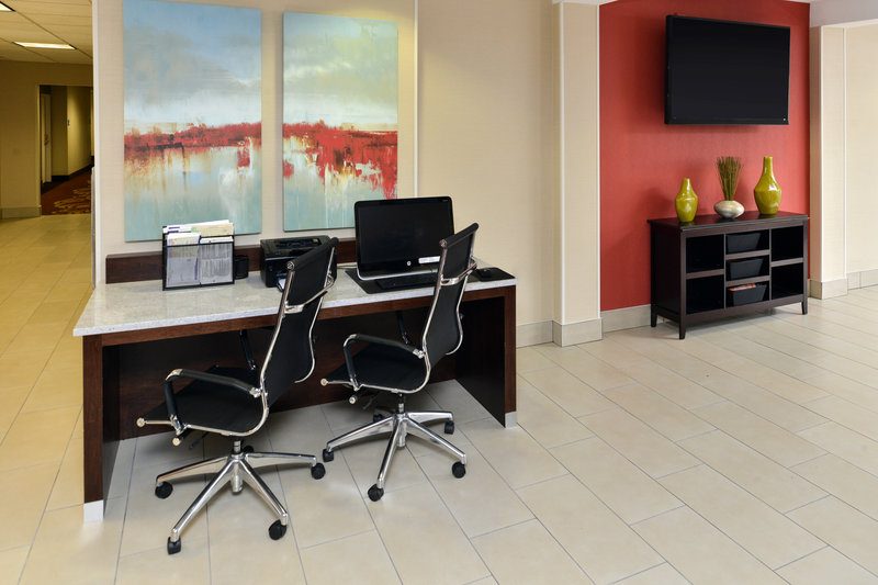 Holiday Inn Express & Suites Tampa/Rocky Point Island-Business Center<br/>Image from Leonardo