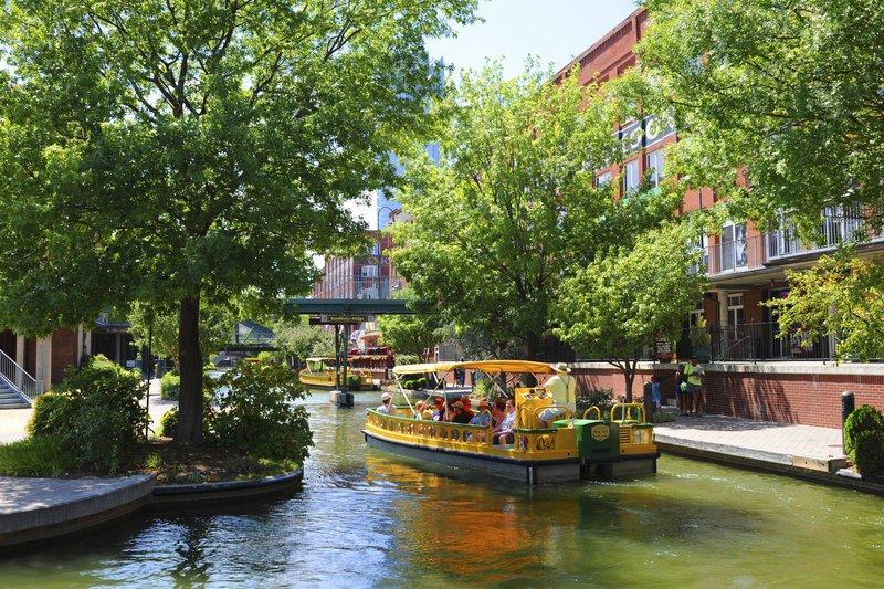 Holiday Inn Express & Suites Oklahoma City Downtown-Oklahoma City Downtown Bricktown Water Taxi<br/>Image from Leonardo
