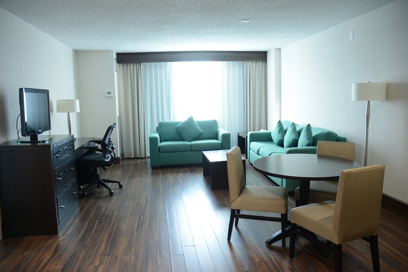Crowne Plaza Stamford-Executive Suite<br/>Image from Leonardo