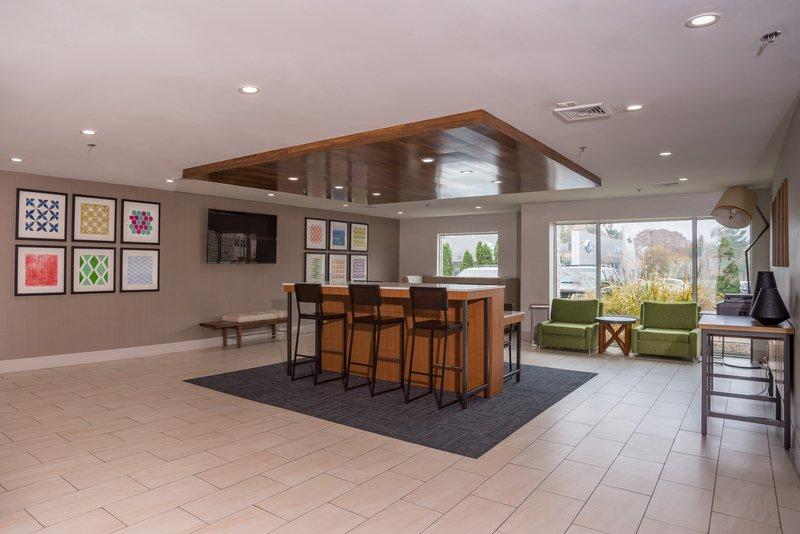 Holiday Inn Express Branford - New Haven-Lobby Lounge<br/>Image from Leonardo