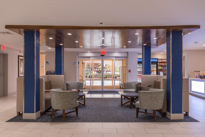 Holiday Inn Express Branford - New Haven-Entrance<br/>Image from Leonardo