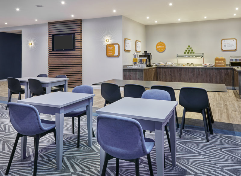 Holiday Inn Express Grimsby-Complimentary Breakfast Room<br/>Image from Leonardo