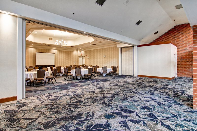 Holiday Inn Oakville Centre-Argus Ballroom <br/>Image from Leonardo