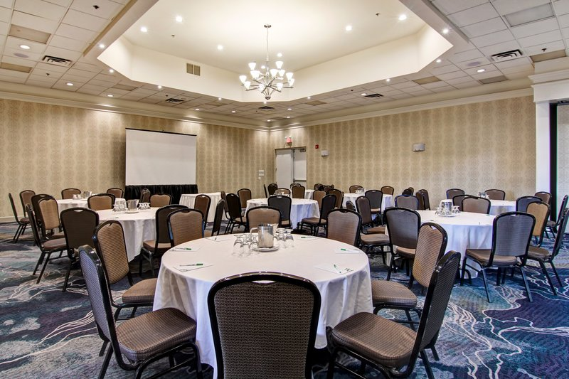 Holiday Inn Oakville Centre-Argus Ballroom Rounds<br/>Image from Leonardo