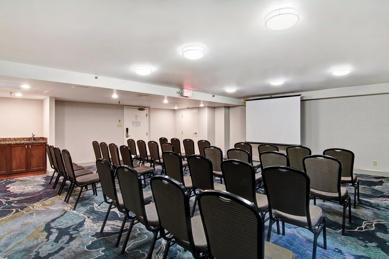 Holiday Inn Oakville Centre-Break Out Rooms<br/>Image from Leonardo