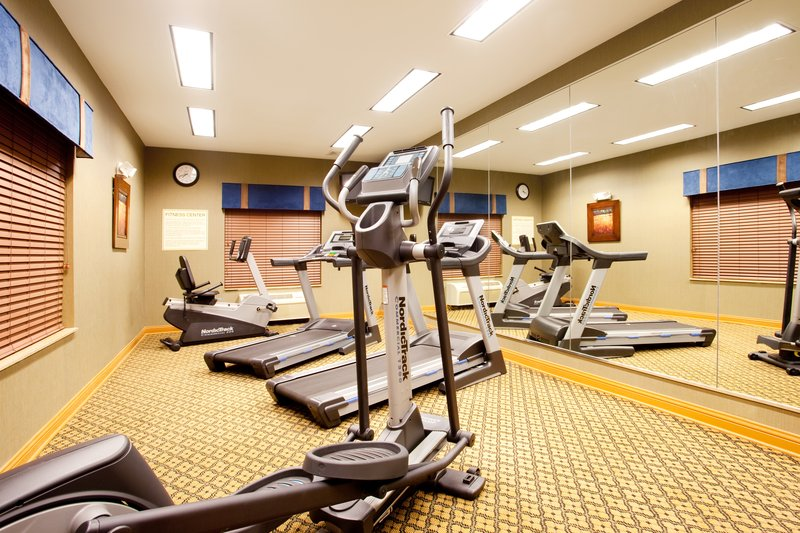 Holiday Inn Express Hotel & Suites Chicago South Lansing-Fitness Center<br/>Image from Leonardo