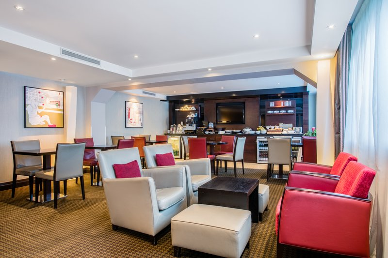 Crowne Plaza Manchester Airport-Club Floor Lounge<br/>Image from Leonardo