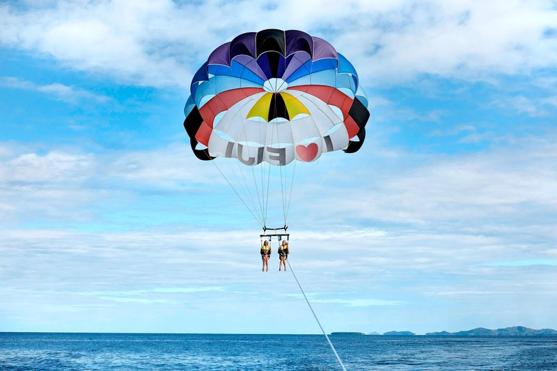 Fiji Marriott Resort Momi Bay-Parasailing<br/>Image from Leonardo