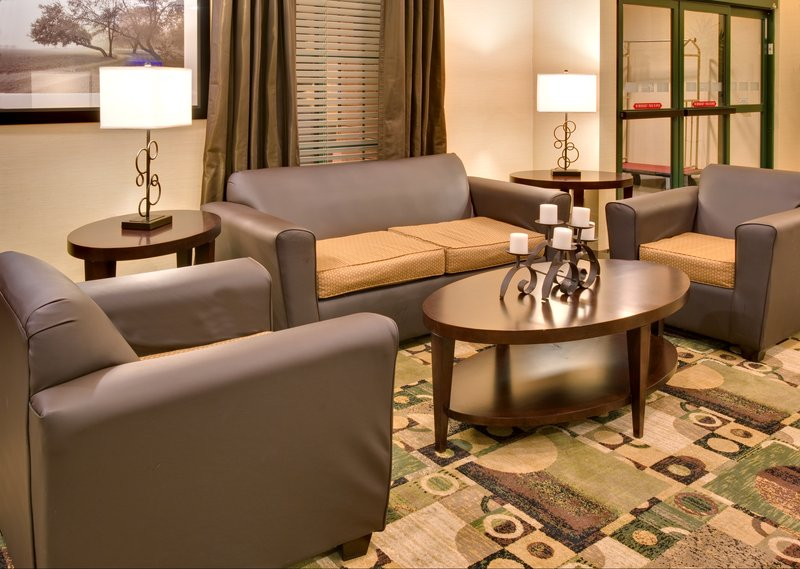Holiday Inn Express & Suites Pleasant Prairie / Kenosha-Breakfast Bar<br/>Image from Leonardo