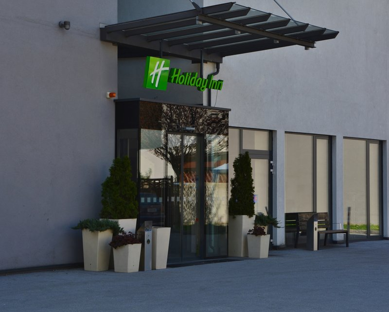 Holiday Inn Salzburg City-We are delighted to welcome you soon! See you in Salzburg.<br/>Image from Leonardo