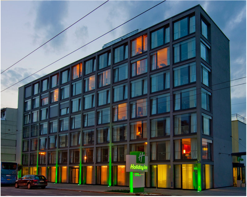 Holiday Inn Salzburg City-The hotel features modern transparency and clear design.<br/>Image from Leonardo