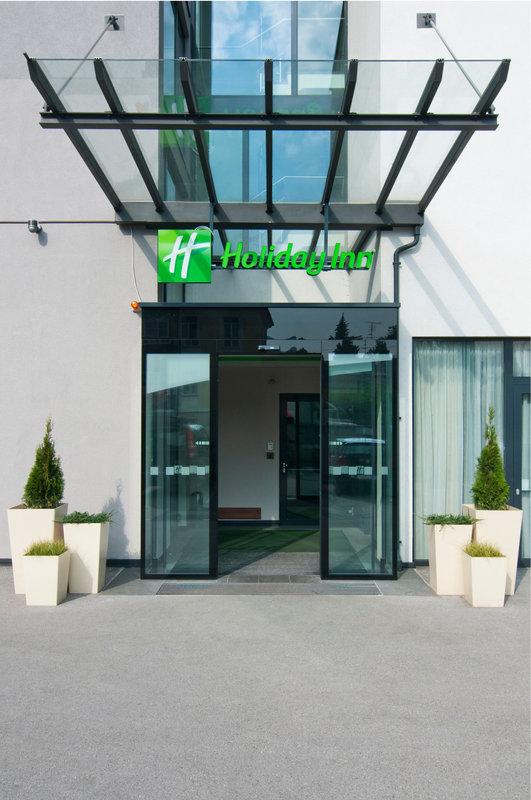 Holiday Inn Salzburg City-Your holiday begins here ...<br/>Image from Leonardo