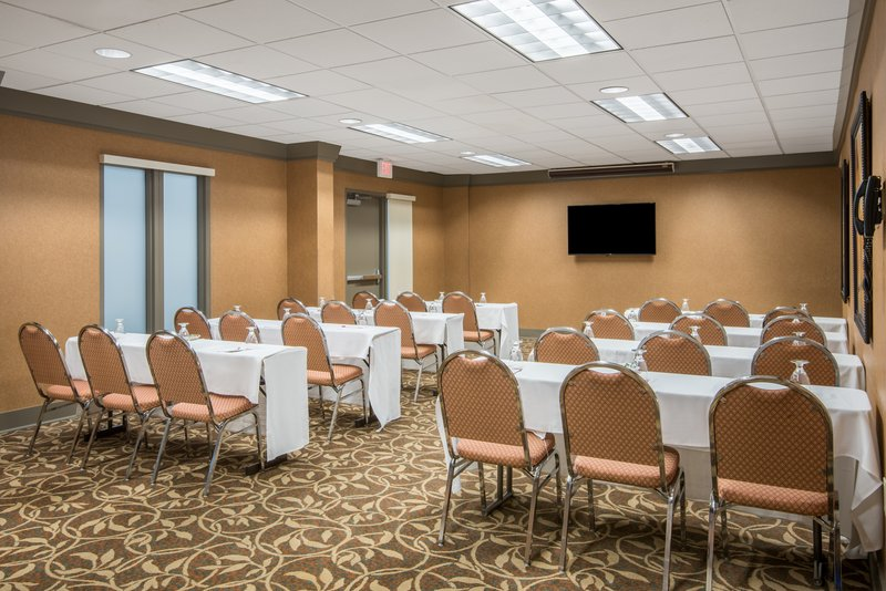 Crowne Plaza Little Rock-Meeting Room<br/>Image from Leonardo