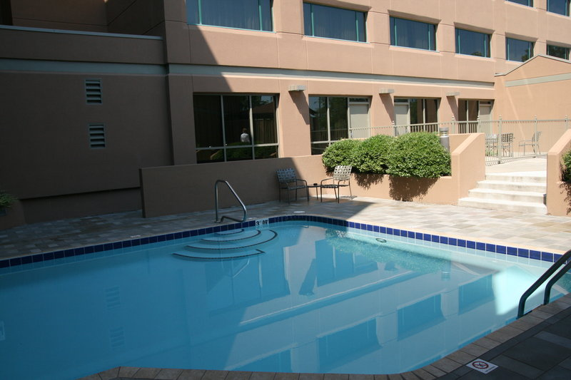 Crowne Plaza Little Rock-Crowne Plaza Downtown Little Rock Indoor/Outdoor Swimming Pool<br/>Image from Leonardo