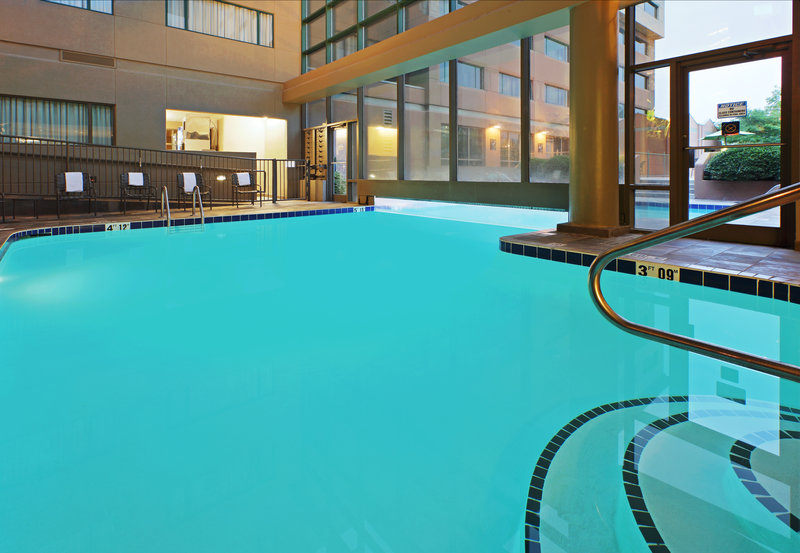 Crowne Plaza Little Rock-Indoor/Outdoor Heated Swimming Pool<br/>Image from Leonardo