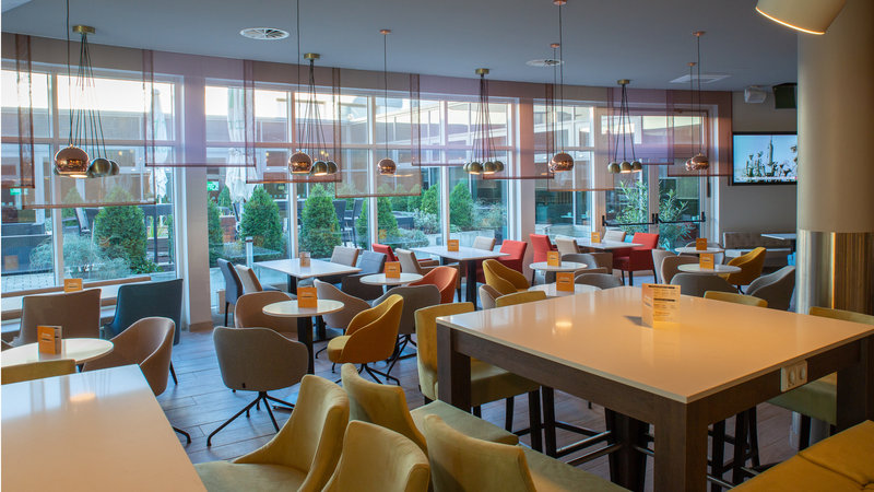 Berlin Airport Conference Centre-Bar and Lounge<br/>Image from Leonardo