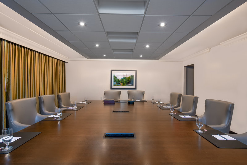 Crowne Plaza Suffern-Mahwah-Boardroom<br/>Image from Leonardo