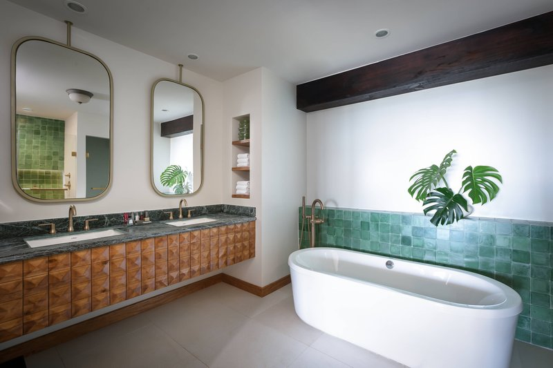 Marriott Los Suenos Ocean & Golf Resort-Ocean Front Suite - Bathroom<br/>Image from Leonardo