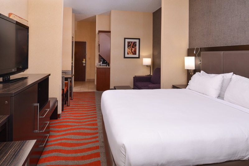 Holiday Inn Express & Suites Dayton - Centerville-Queen Bed Guest Room<br/>Image from Leonardo