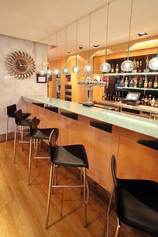 Holiday Inn Express Redditch-Bar & Lounge 3<br/>Image from Leonardo