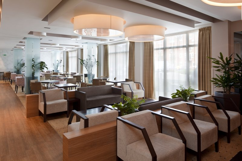 Holiday Inn Express Redditch-Bar and Lounge at Holiday Inn Express Birmingham Redditch<br/>Image from Leonardo