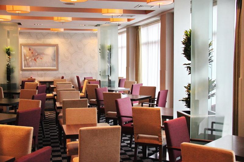 Holiday Inn Express Redditch-Great Room Restaurant at Holiday Inn Express Birmingham Redditch<br/>Image from Leonardo