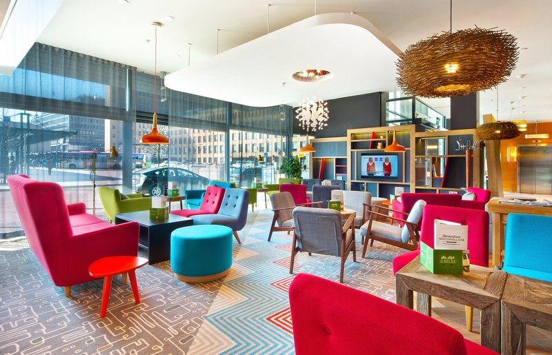 Holiday Inn Helsinki City Centre-At our new Media Lounge you can relax reading newspapers or a book<br/>Image from Leonardo