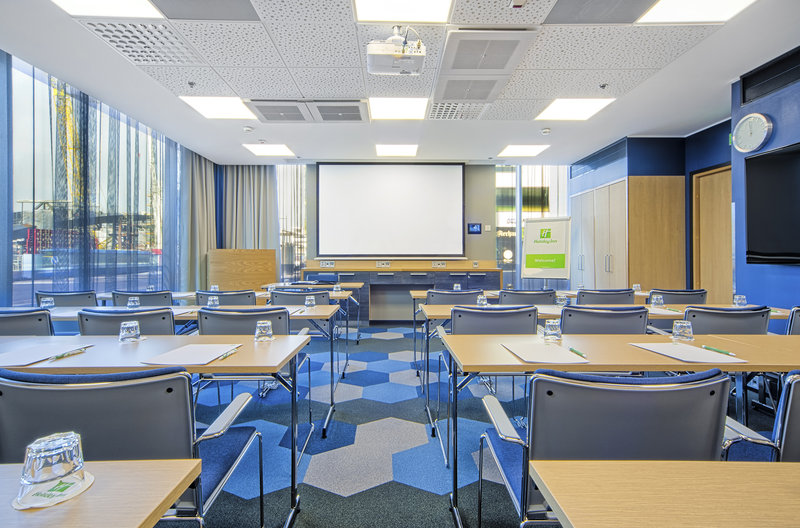 Holiday Inn Helsinki City Centre-Wilson meeting room is available up to 30 persons<br/>Image from Leonardo