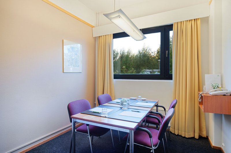 Holiday Inn Helsinki - Vantaa Airport-Compact Marco Polo is ideal for team works and small meetings<br/>Image from Leonardo