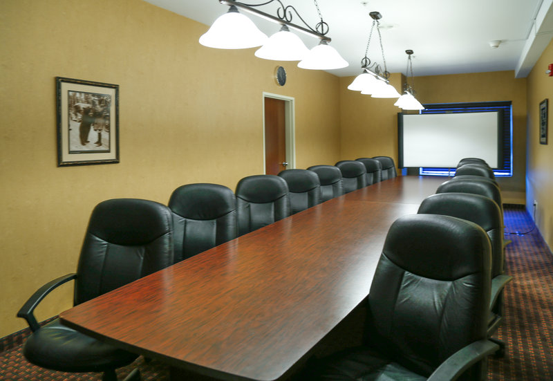 Holiday Inn West Yellowstone-A Boardroom style meeting at Holiday Inn West Yellowstone<br/>Image from Leonardo