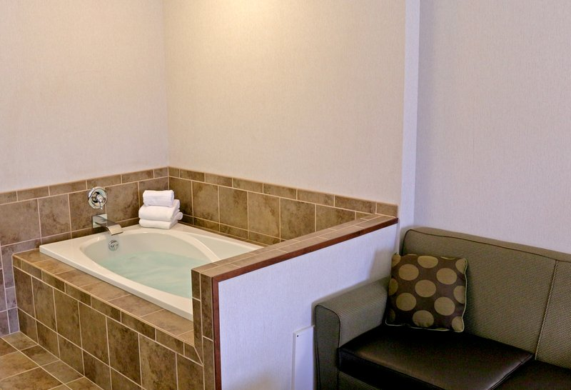 Holiday Inn West Yellowstone-In-Room Spa Tub, located in our King Spa Room<br/>Image from Leonardo