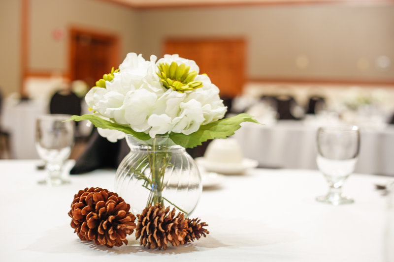 Holiday Inn West Yellowstone-A beautiful Holiday Inn West Yellowstone banquet centerpiece<br/>Image from Leonardo