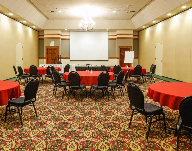 Holiday Inn West Yellowstone-Meetings in the round at Holiday Inn West Yellowstone<br/>Image from Leonardo