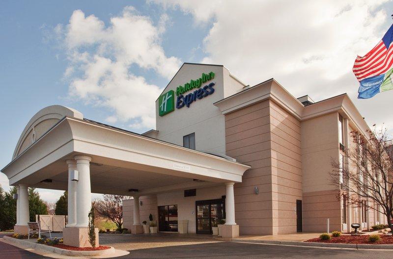 Holiday Inn Express Lynchburg-Our Lynchburg hotel is near Liberty Mountain Snowflex Centre!<br/>Image from Leonardo