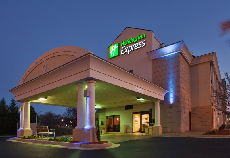 Holiday Inn Express Lynchburg-Welcome to the Holiday Inn Express Lynchburg hotel near Liberty U!<br/>Image from Leonardo