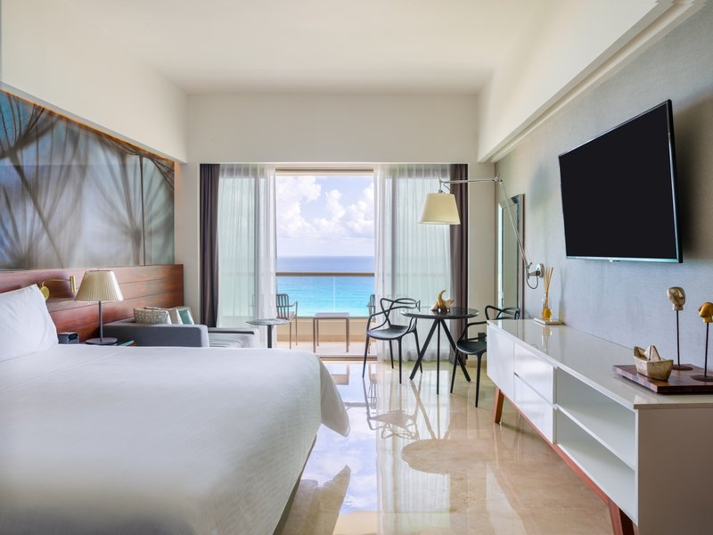 Live Aqua Cancun - Premium Aqua Club King <br/>Image from Leonardo