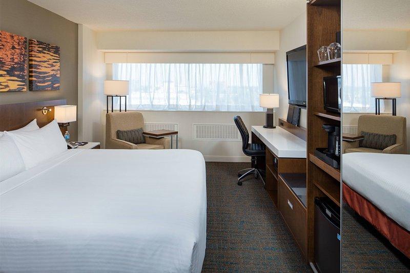 Delta Hotel Calgary South-King Delta Standard Room<br/>Image from Leonardo