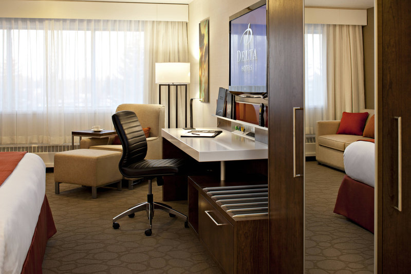 Delta Hotel Calgary South-Guest Room Work Desk<br/>Image from Leonardo