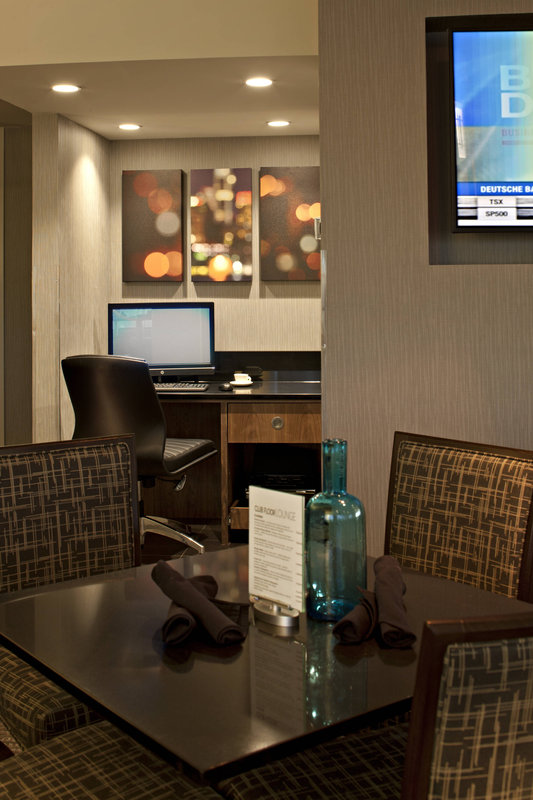 Delta Hotel Calgary South-Club Lounge<br/>Image from Leonardo