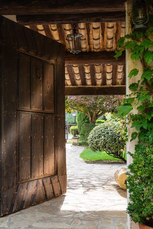 Auberge de Cassagne-Porch to the swimming pool<br/>Image from Leonardo