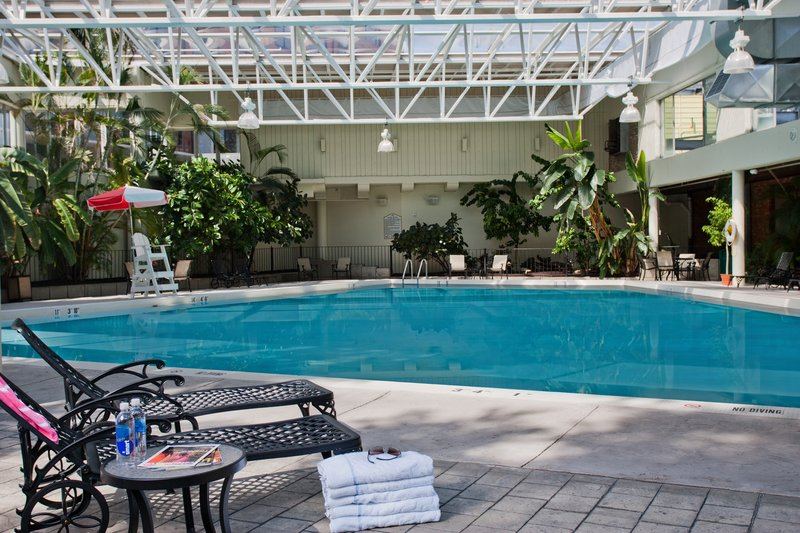 Crowne Plaza Louisville Airport Expo Center-Indoor/Outdoor Swimming Pool<br/>Image from Leonardo