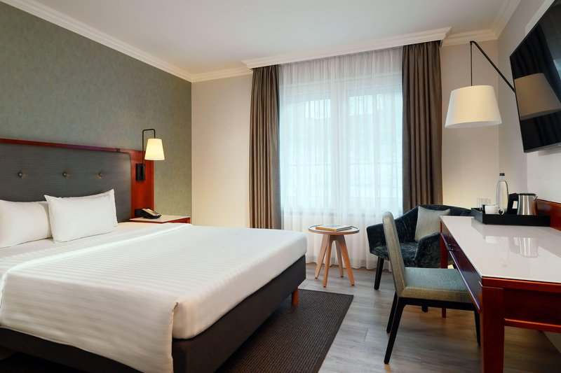 Courtyard Hamburg Airport-Courtyard Queen Room<br/>Image from Leonardo
