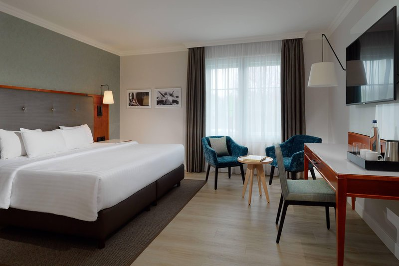 Courtyard Hamburg Airport-Superior Room<br/>Image from Leonardo