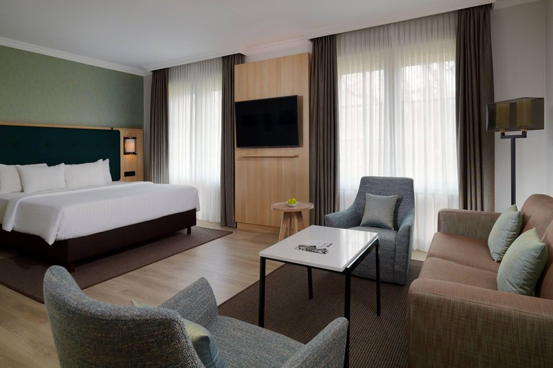Courtyard Hamburg Airport-Junior Suite<br/>Image from Leonardo