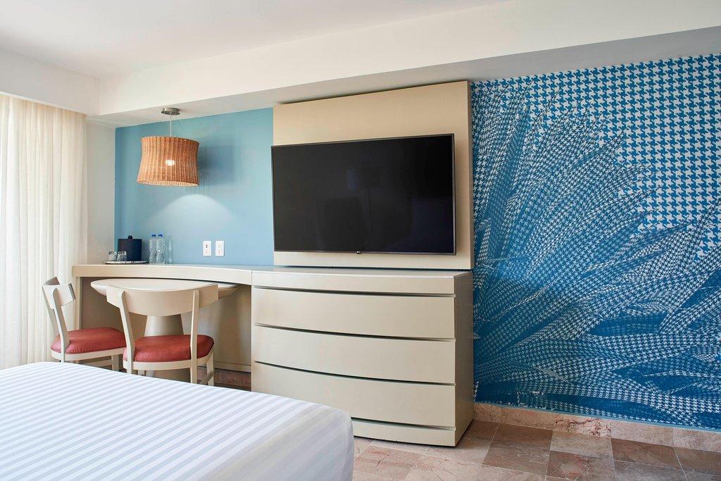 Marriott Puerto Vallarta Resort & Spa - Double/Double Pool Ocean View Guest Room <br/>Image from Leonardo
