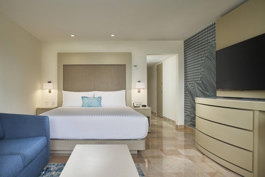Marriott Puerto Vallarta Resort & Spa - King Ocean View Guest Room <br/>Image from Leonardo